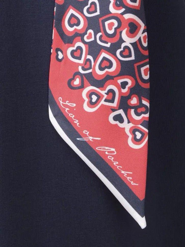 Camisola com lenço