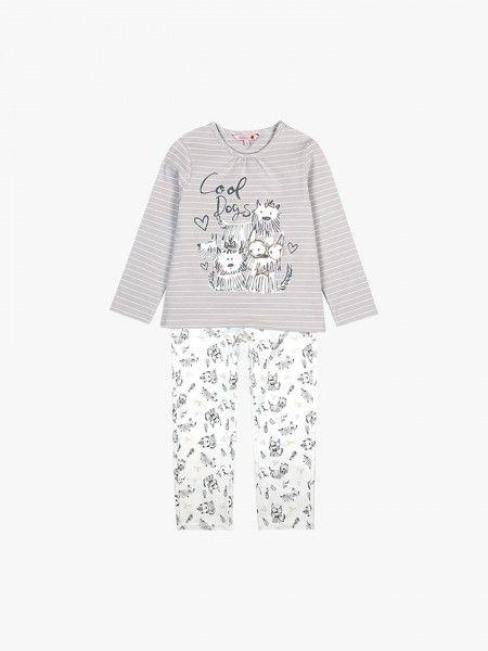 Pijama de camisola e calças.
