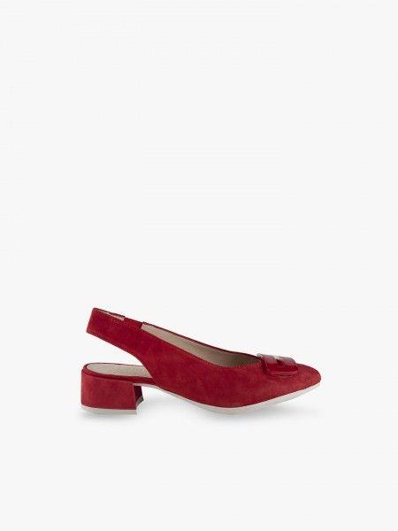 Sapato com aplicação
