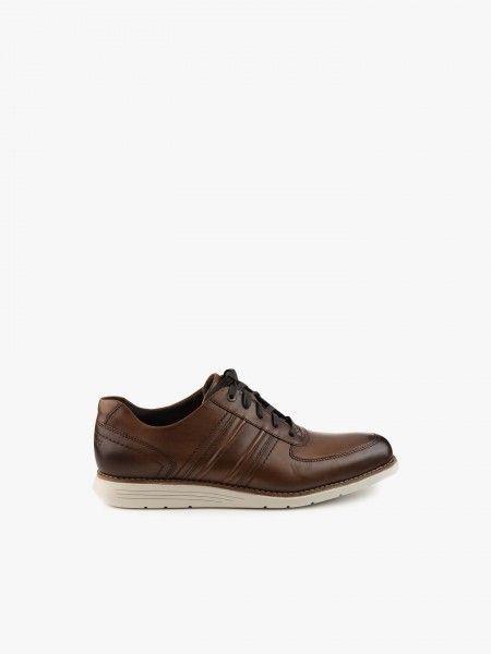 Sapato desportivo em camurça