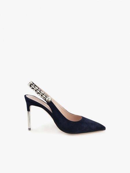 Sapato com aplicações