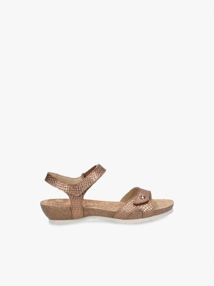 Sandália efeito brilhante