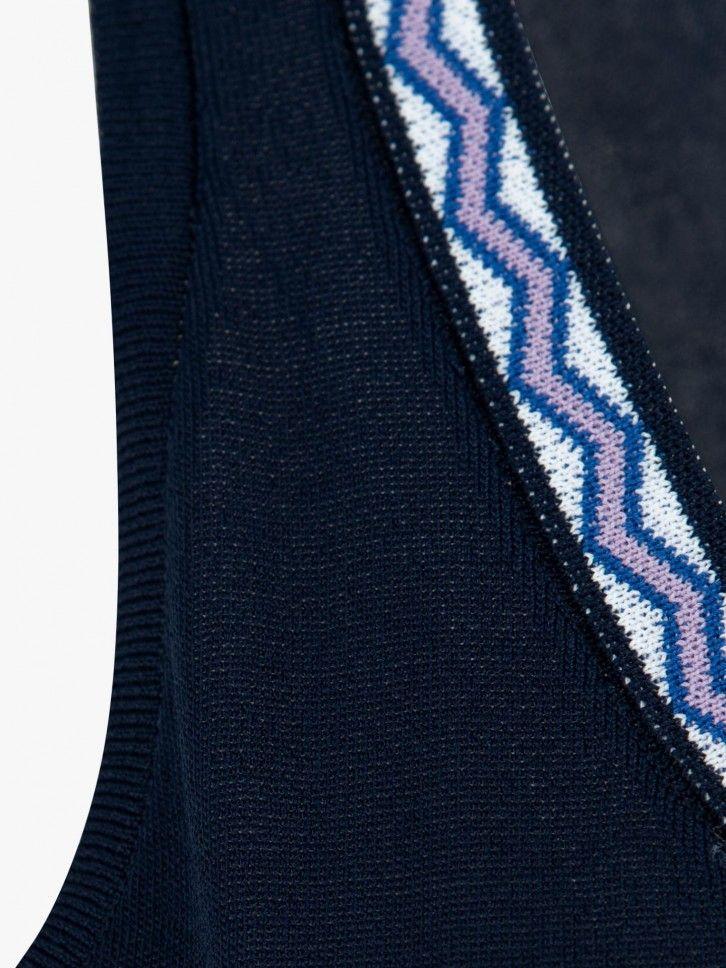 Camisola de manga caveada