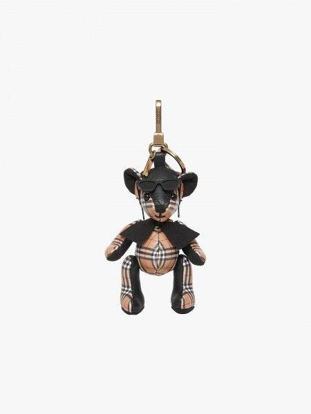 Porta-chaves com boneco