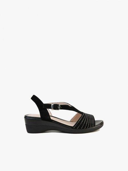 Sandália com brilhantes