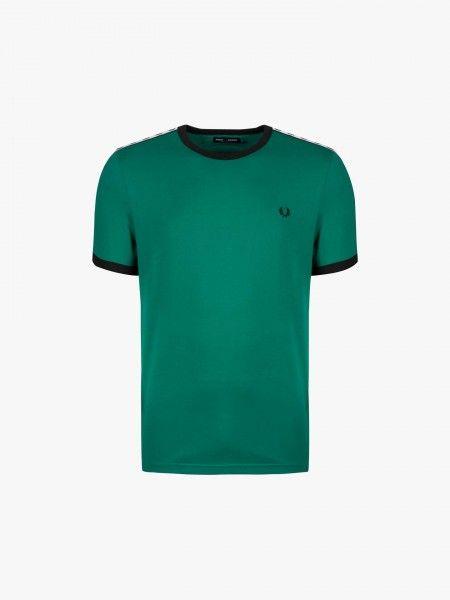 T-shirt com faixas nas mangas