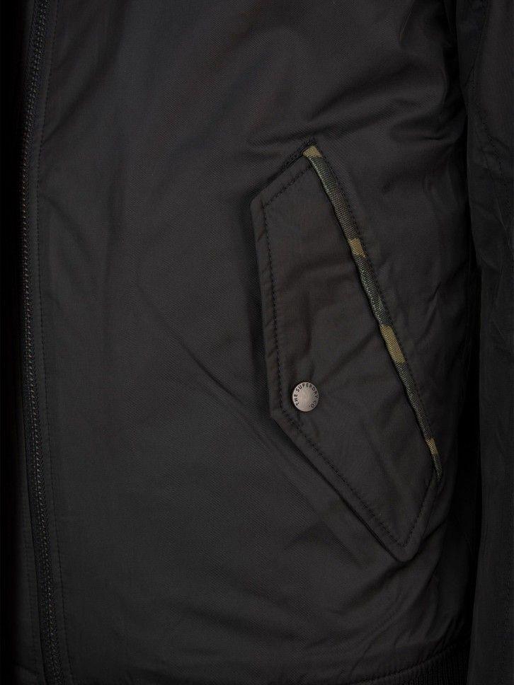 Blusão com bolso na manga