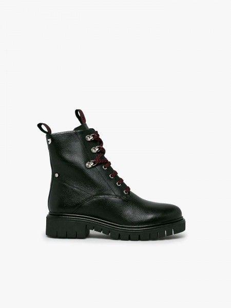 Combat Boots com cordões