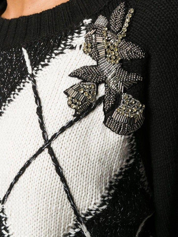 Camisola de malha com aplicações