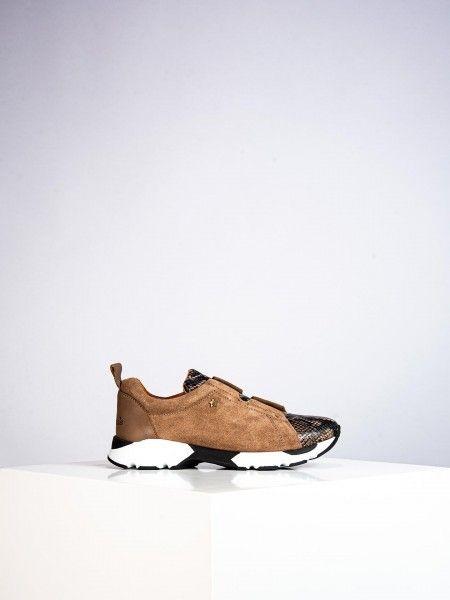 Sapatos em pele
