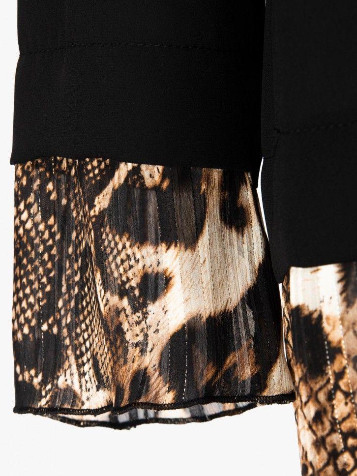 Conjunto blusa e calças