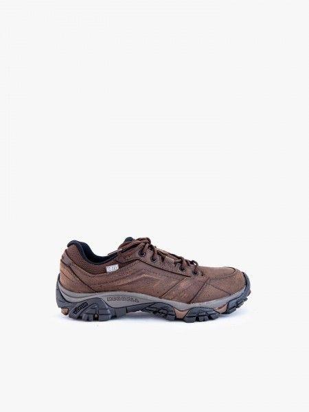 Sapatos desportivos combinados