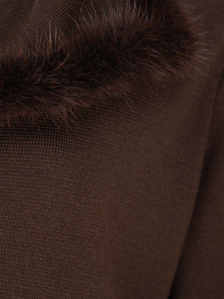 Casaco gola em pelo