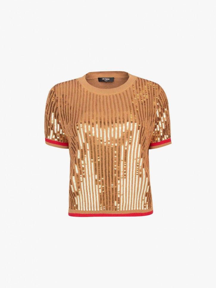 T-shirt com lantejoulas