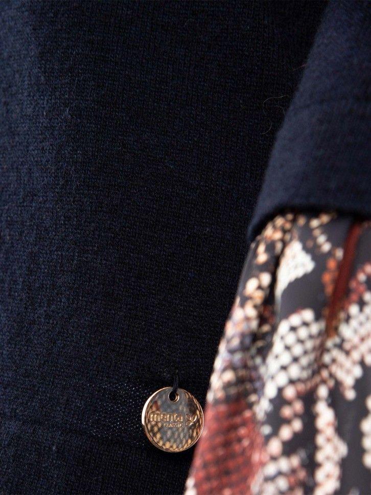Camisola com folho nos punhos