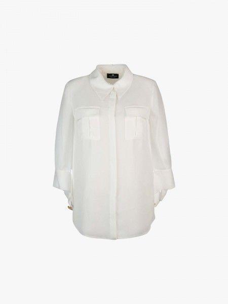 Camisa com bolsos