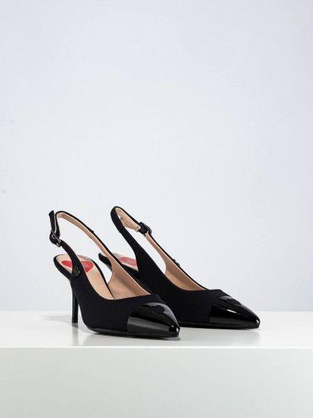 Sapatos salto fino