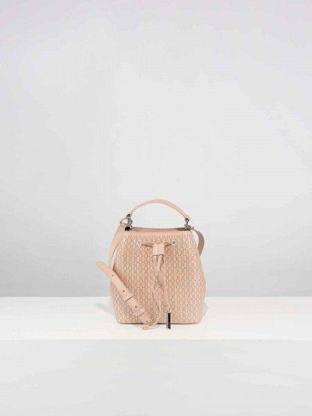 Bucket bag com padrão