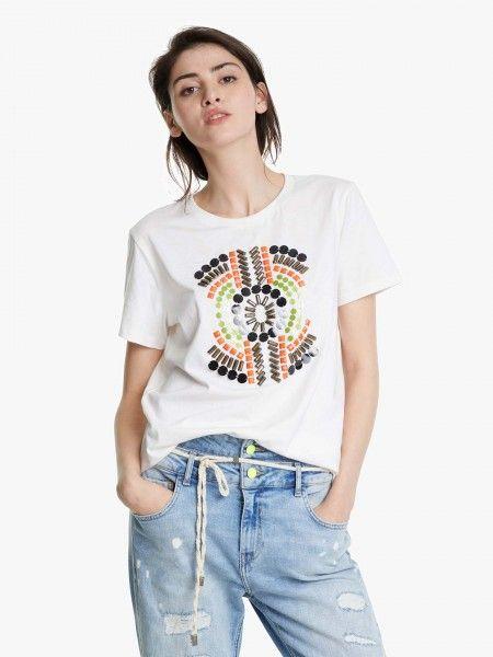 T-shirt com contas