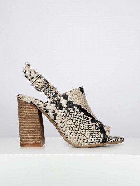 Sandálias padrão de cobra