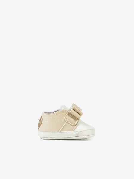 Sapatos com laços