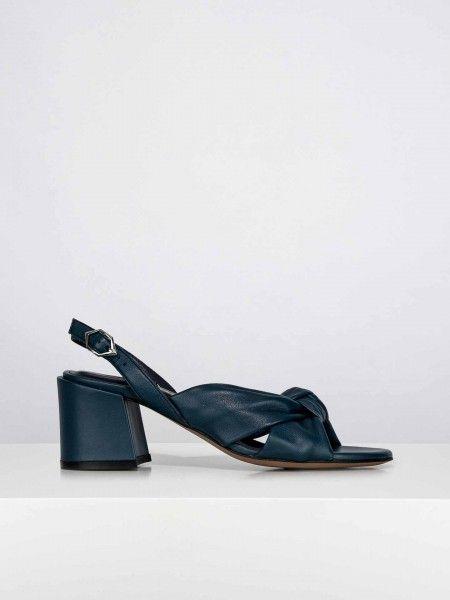 Sandálias efeito de brilho metálico