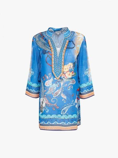 Vestido de praia com padrão étnico