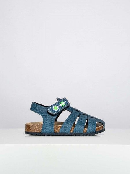Sandálias com velcro