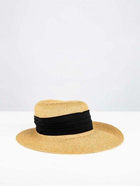 Chapéu com fita