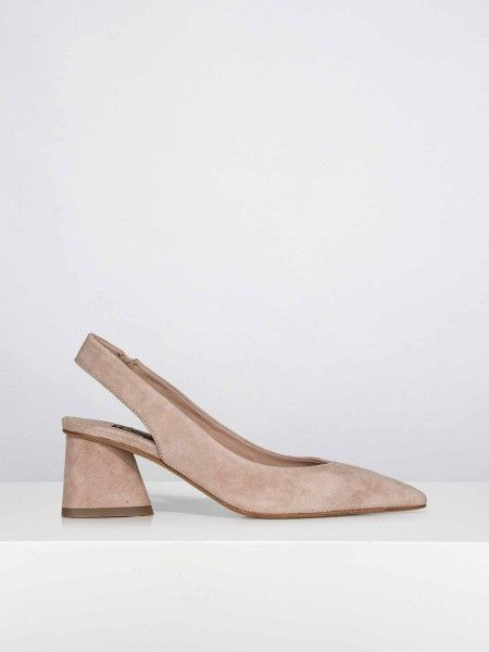 Sapatos salto médio