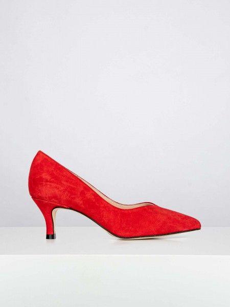 Sapatos tacão médio