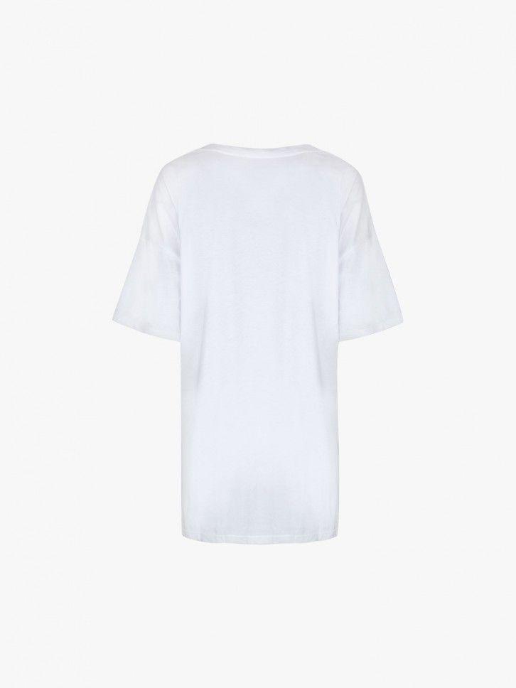 T-shirt oversized com renda
