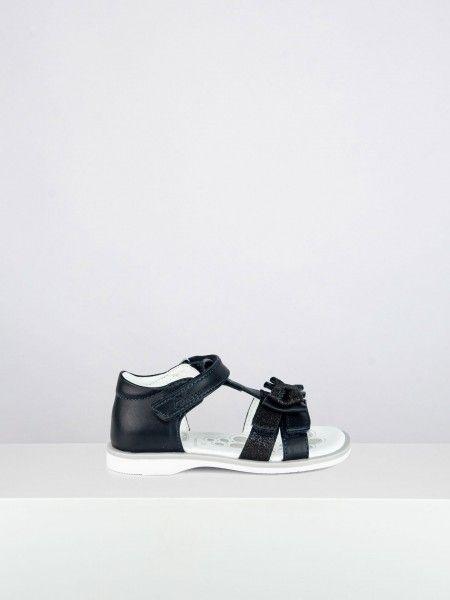 Sandálias com laço