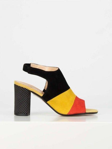 Sandálias de salto alto largo