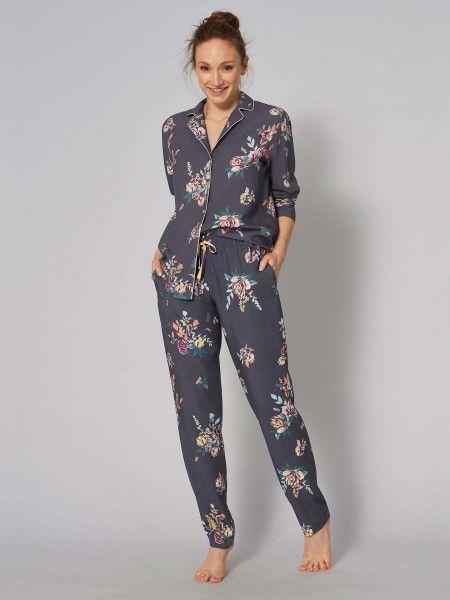Pijama com Padrão Floral