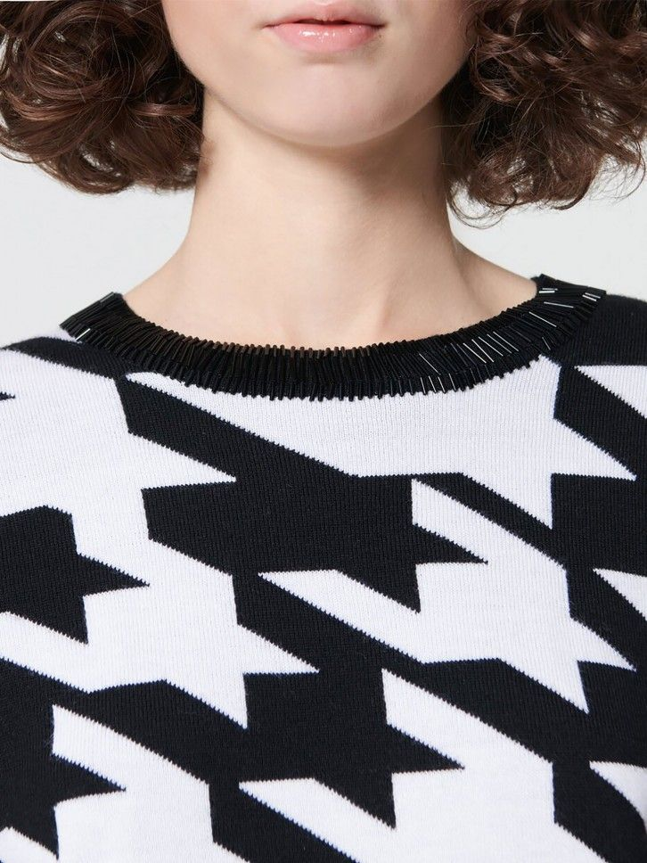 Camisola de malha bordada