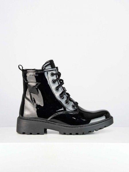 Combat boots em efeito de verniz