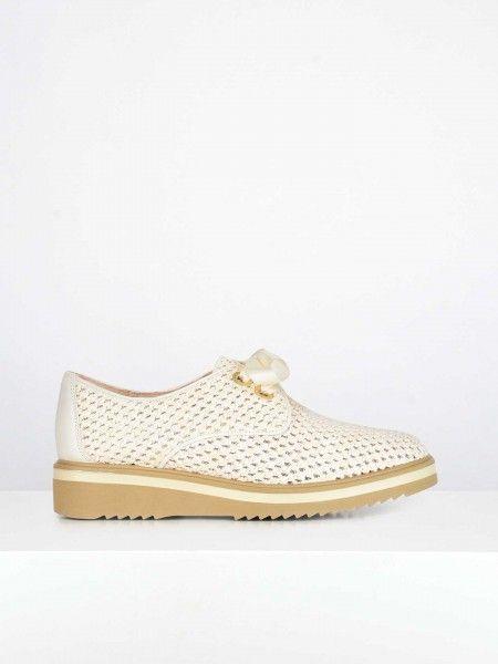 Sapatos Efeito Perfurado