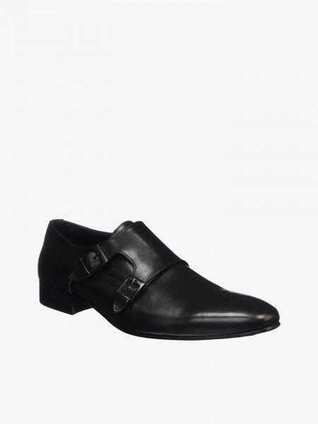 Sapatos com Fivelas
