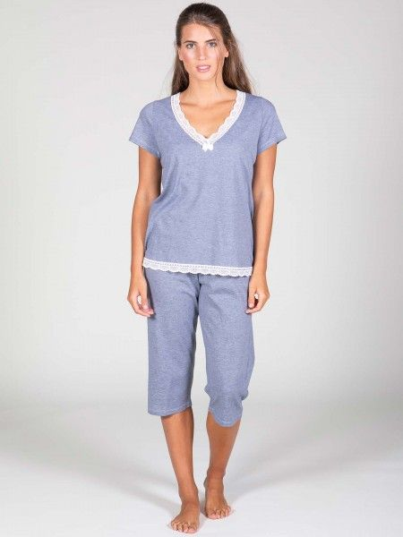 Conjunto de Pijama com Renda