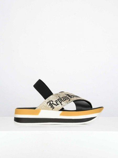 Sandálias com Efeito Brilhante