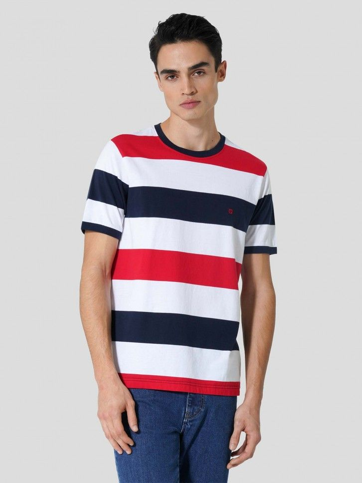 T-Shirt às Riscas