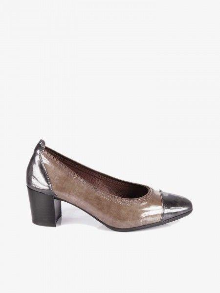Sapatos com Efeito Envernizado