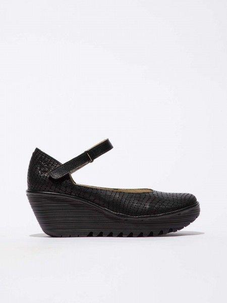 Sapatos de Cunha em Couro