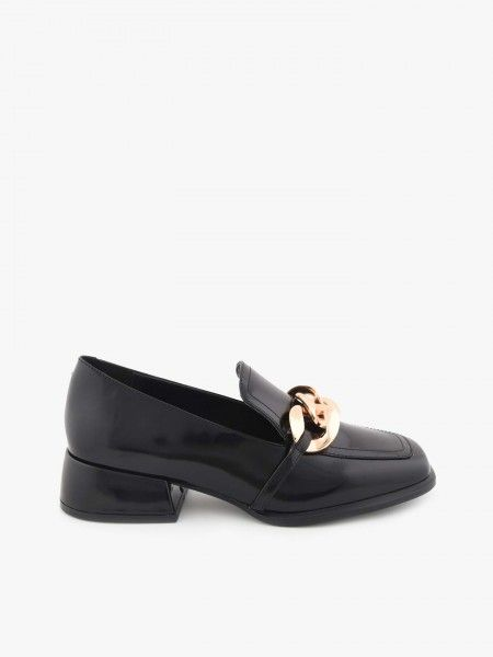 Sapatos Slip-on com Aplicação